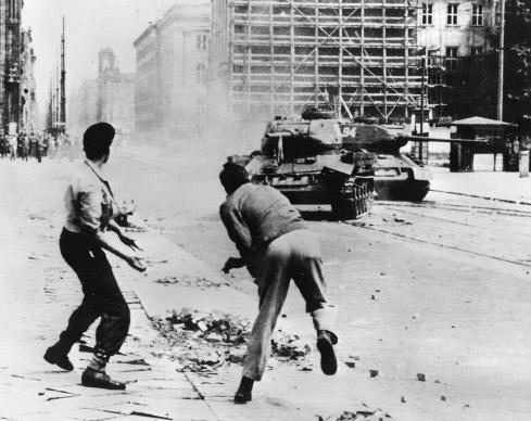 revolte1953.jpg